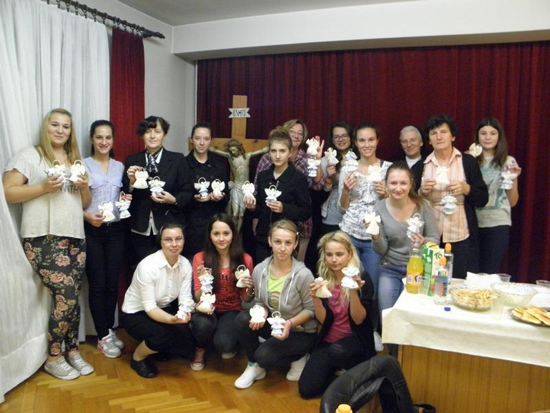 Učenice Hrvatskog učiteljskog konvikta u Remetama
