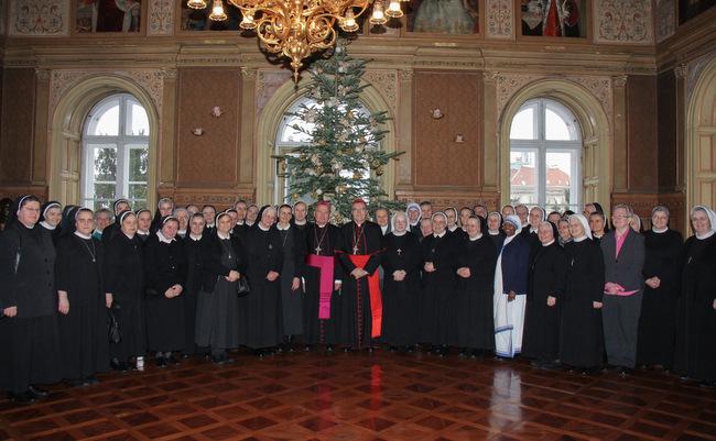 Božićni susret redovnica s kardinalom Bozanićem